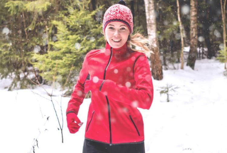 Esercizio fisico con febbre o raffreddore: quando evitare di allenarsi