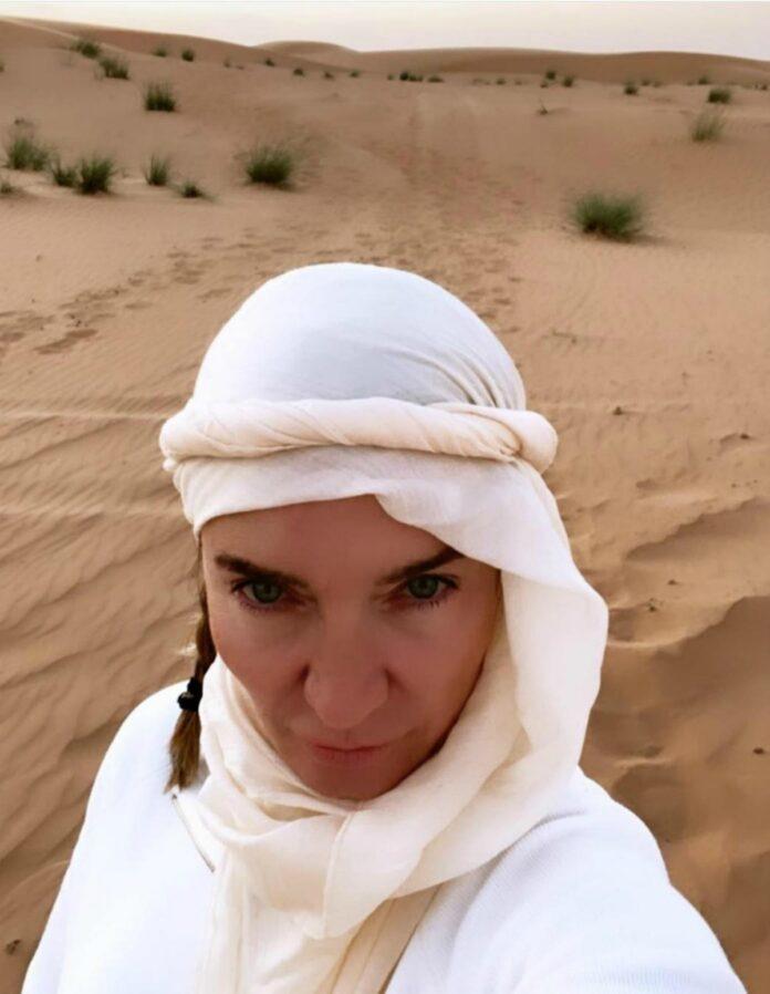 Elisabetta Franchi Instagram: una sensuale beduina del deserto