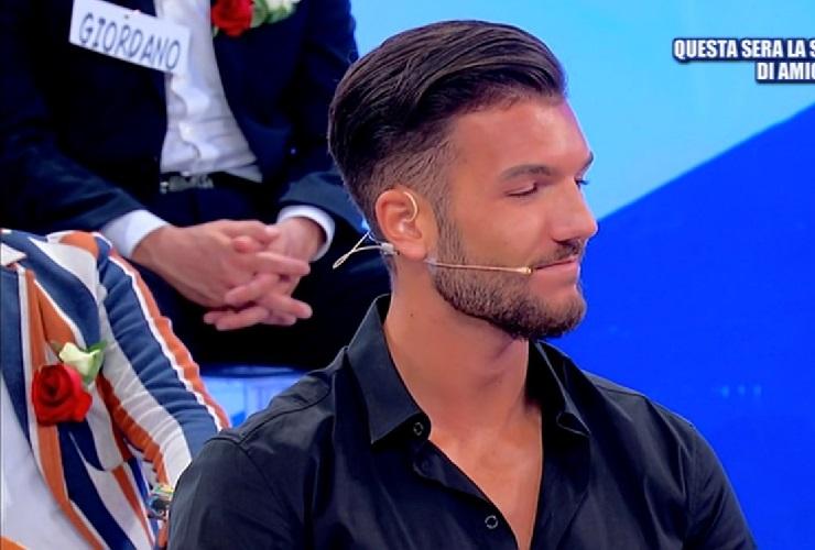Davide Basolo dimentica Giovanna