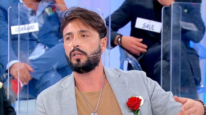 """Armando Incarnato tra Gemma e Roberta a Uomini e Donne: """"promosse a pieni voti"""""""